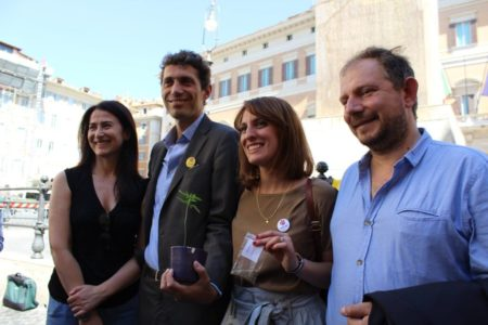Cannabis: la PDL di iniziativa popolare entra in Commissione